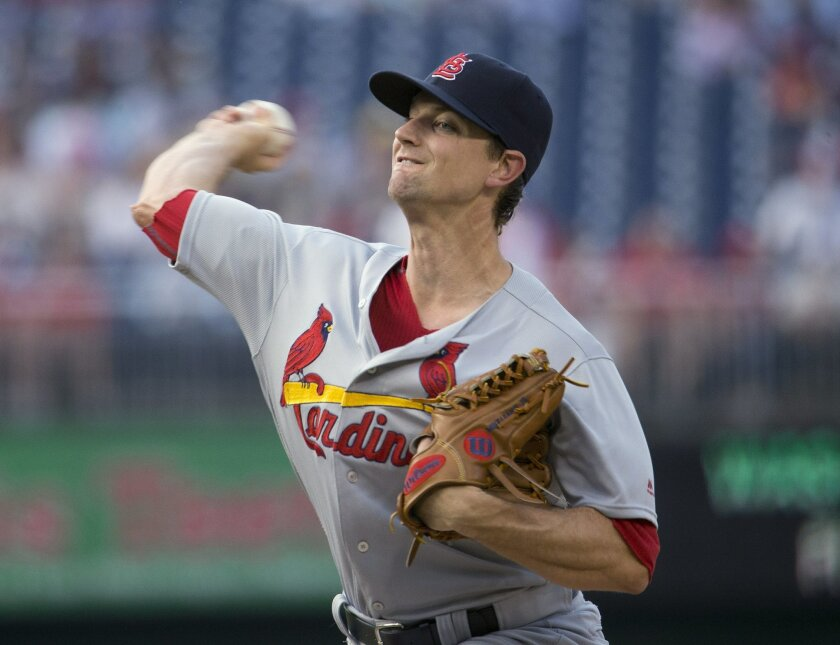 St. Louis Cardinals starter Mike Leake delivers a pitch against the Washington Nationals during the first inning of a baseball game at Nationals Park, Thursday, May 26, 2016, in Washington. (AP Photo/Pablo Martinez Monsivais)