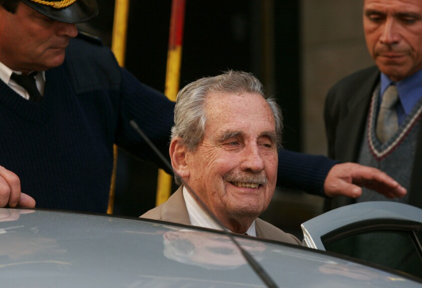 Former Uruguayan dictator Gregorio Alvarez is seen outside court in this 2007 file photo.