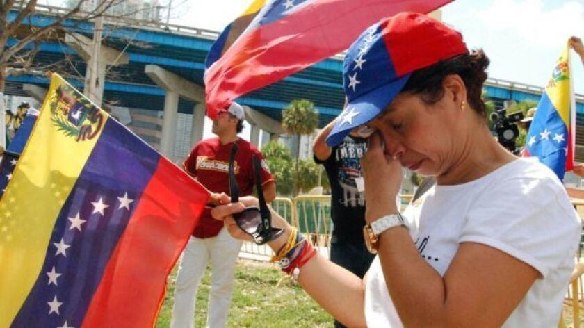 Cuando Amaru Coronado volvió a casa el miércoles después de trabajar, lo primero que hizo fue llamar a una amiga que vive en Chile para pedirle cobijo en ese país en caso de que la deporten de Estados Unidos.