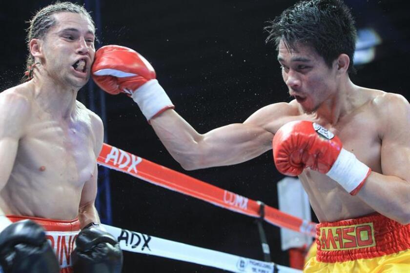 El nicaragüense Cristofer Rosales, campeón mundial de peso mosca del Consejo Mundial de Boxeo (CMB), apuntó hoy al tailandés Srisaket Sor Rungvisai (d), monarca supermosca, como uno de sus futuros rivales y a quien buscará quitarle el título para regresar el cinto a su país. EFE/ARCHIVO