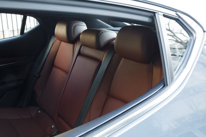 -Mazda3-BackSeats.jpg