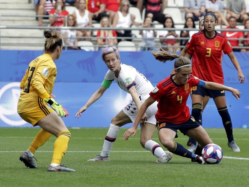 Women's World Cup recap: Megan Rapinoe lifts U S  to a 2-1