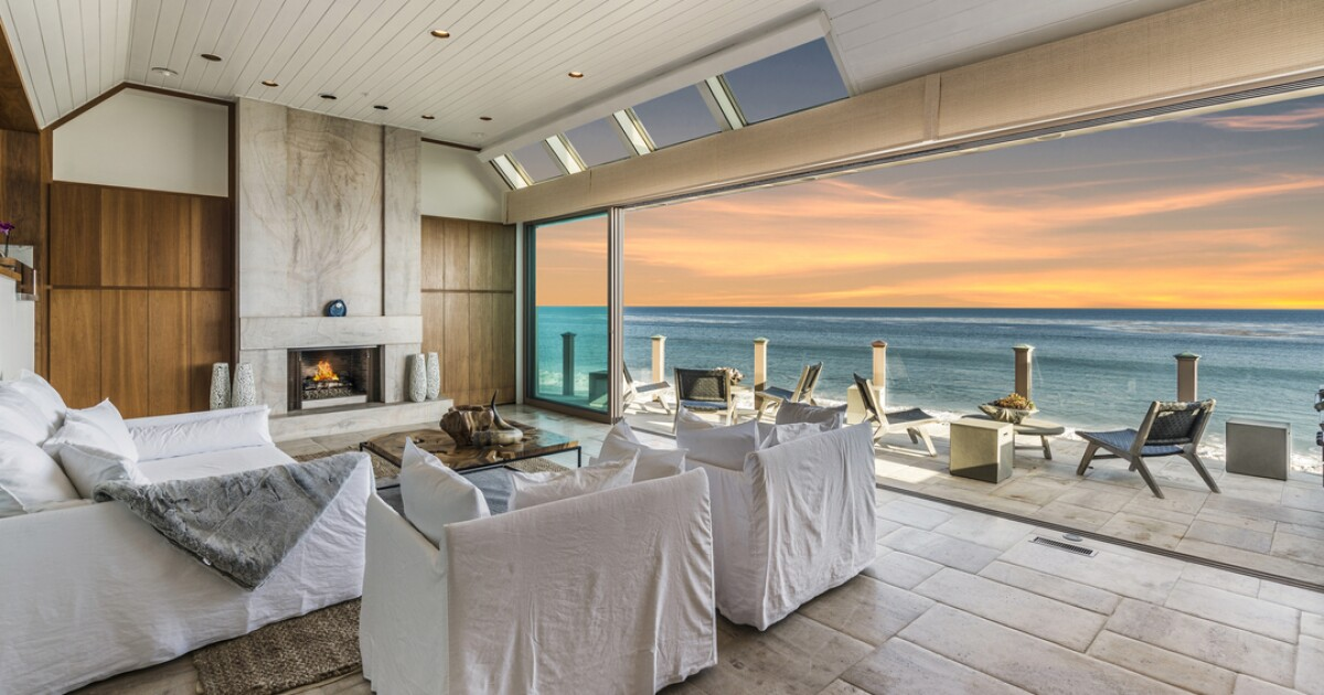 Otis Chandler's former Malibu beach home | Hot Property