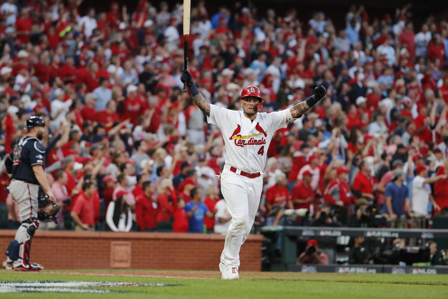 Yadier Molina provides more heroics for Cardinals in NLDS - Los Angeles  Times