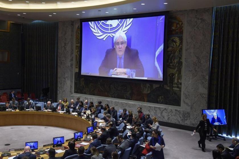Fotografía cedida por la ONU donde aparece el enviado para el conflicto de Yemen, Martin Griffiths (en pantalla), mientras habla durante una reunión del Consejo de Seguridad sobre la situación en Oriente Medio (Yemen) este martes en la sede del organismo en Nueva York (EE.UU.). EFE/Loey Felipe/ONU/SOLO USO EDITORIAL/NO VENTAS