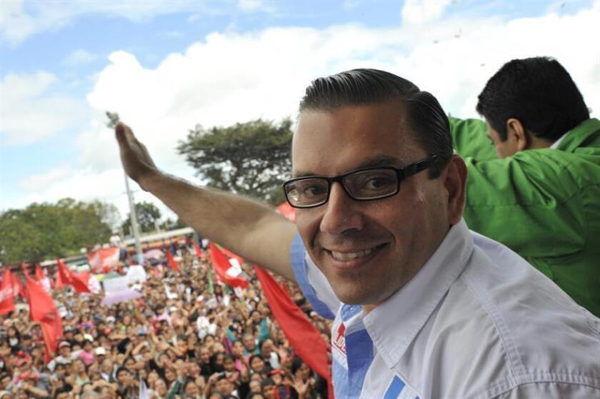 Fotografía de archivo del candidato presidencial guatemalteco por el partido Libertad Democrática Renovada (Lider) Manuel Baldizón. EFE/Archivo