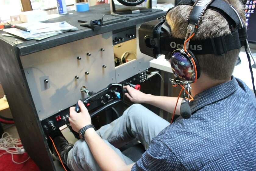Fay built each of the cockpit's controls into the same positions as can be seen in the computer program or in a real Cessna cockpit, and even replicated the cockpit color scheme.