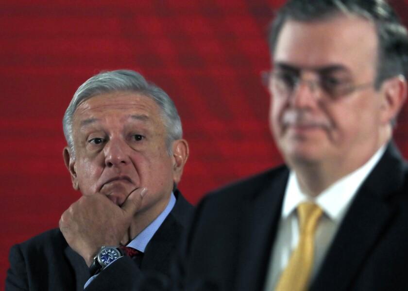 México defiende que sus trabajadores en EEUU reciban vacuna