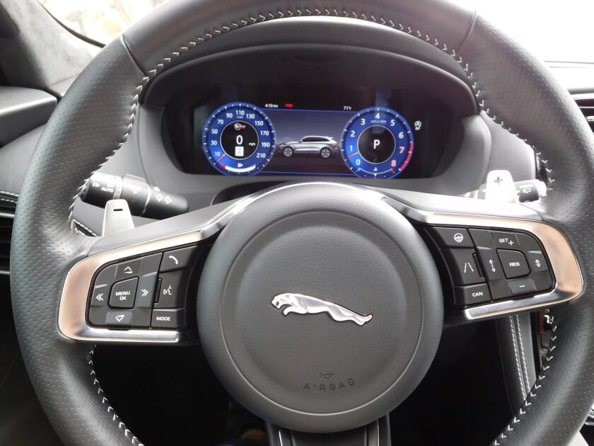 JagF-Pace-SVR-SteeringWheel.JPG