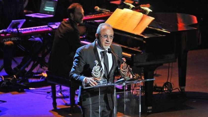 Productor cubano Emilio Estefan recibe premio Ohtli del Gobierno mexicano