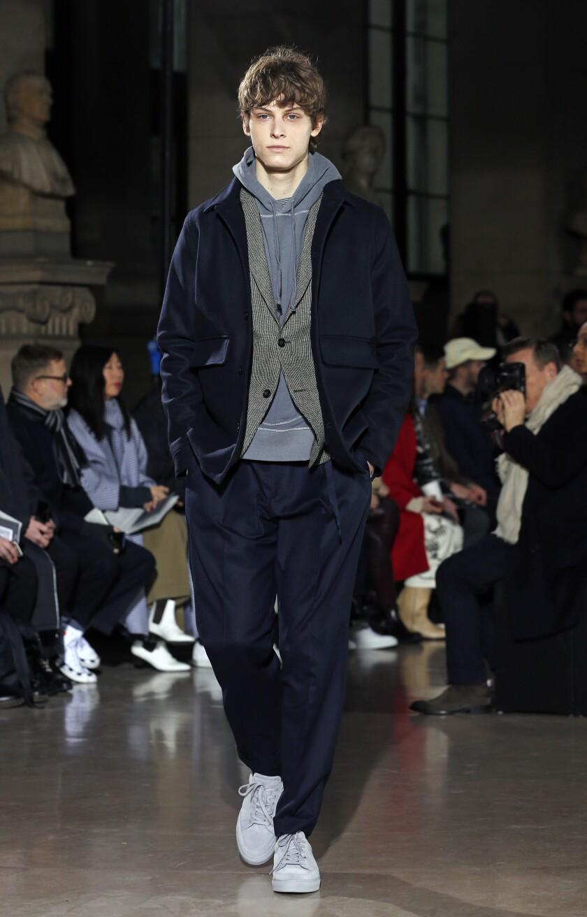 Officine Generale: Défilé - Semaine de la Mode à Paris - Mode Homme F / W 2019-2020