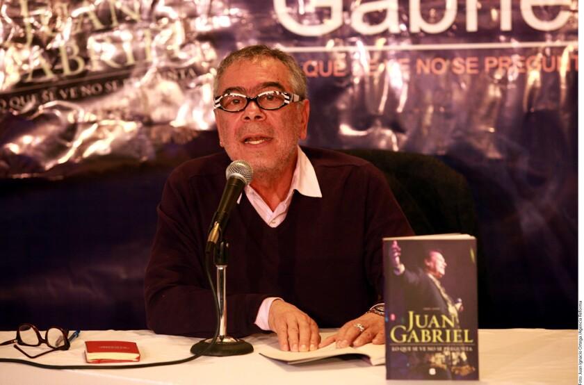 La vida de Juan Gabriel estuvo marcada por su legado como compositor y un sinfín de historias sobre su sexualidad.
