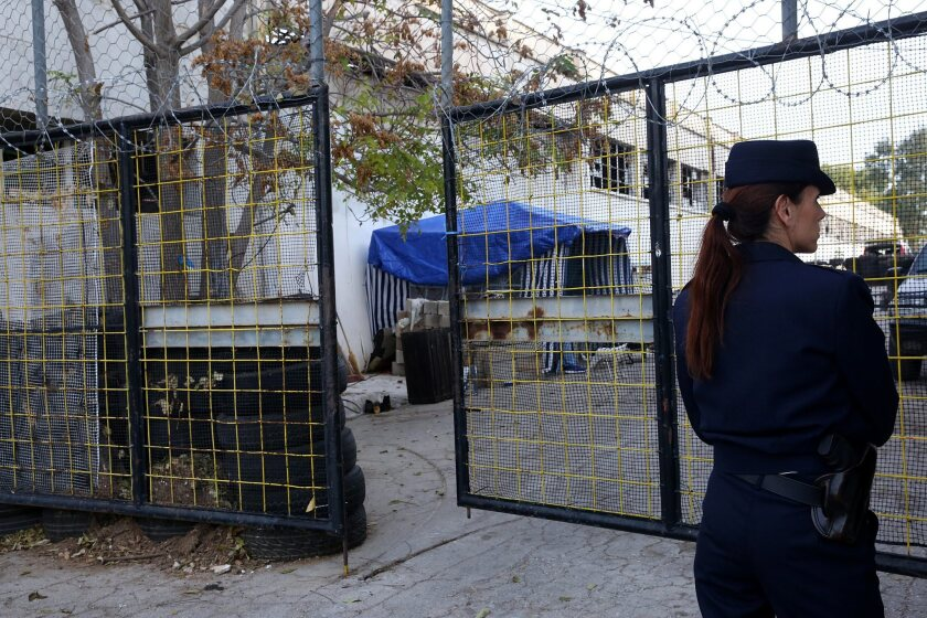 Police evacuates occupied mosque construction site in Athens