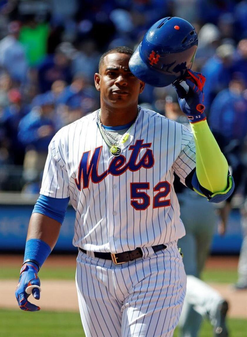 En la imagen, el guardabosques cubano Yoenis Céspedes de los Mets de Nueva York. EFE/Archivo