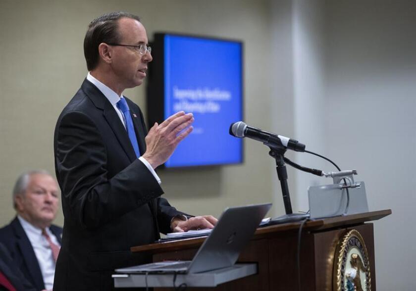El vicefiscal general de Estados Unidos, Rod Rosenstein, participa en una mesa redonda, en Washington, EE.UU., el 29 de octubre del 2018. EFE