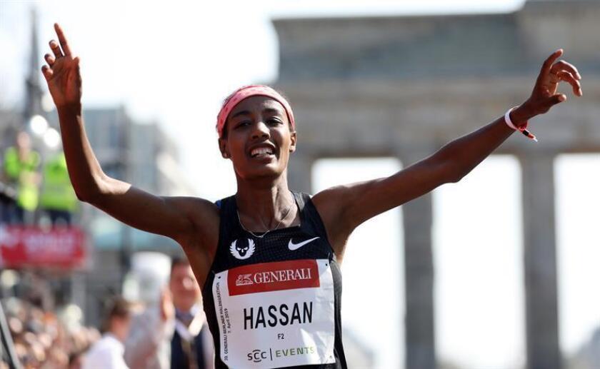 """Hassan se consagra como la """"reina"""" del medio fondo con un nuevo récord milla"""