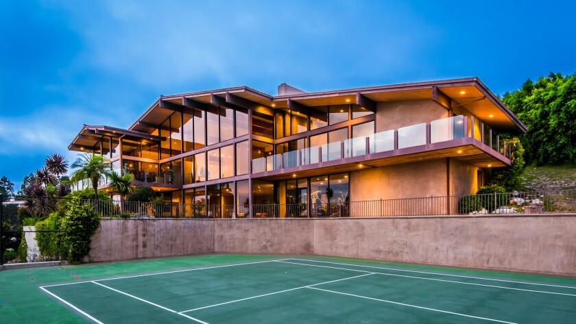 Antonio Pierce's home in Palos Verdes Estates | Hot Property
