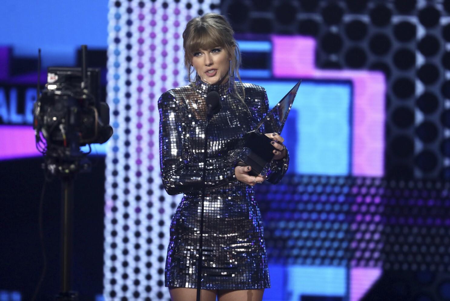 American Music Awards 2018 Taylor Swift Late Rapper Xxxtentacion Among Winners Los Angeles Times