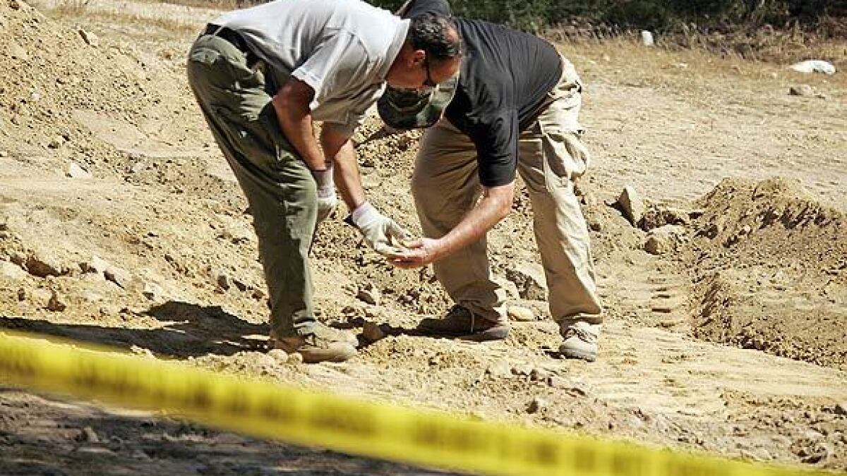 Search underway for victim of serial killer Mack Ray Edwards - Los ...
