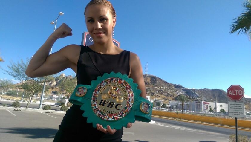 Zulina 'Loba' Muñoz, campeona mundial de peso Supermosca del Consejo Mundial de Boxeo (CMB).