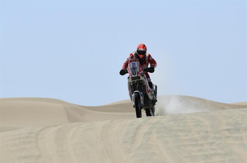 Fotografía cedida por el equipo de prensa del piloto de motos Israel Borrel que muestra al piloto mientras compite en el dakar series Desafío Inca de septiembre de 2018. EFE/ Cortesía piloto de motos Israel Borre