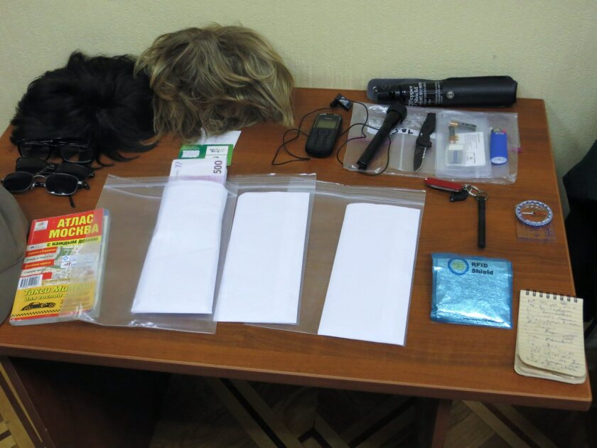 A 2013 photograph from Russian security officials shows equipment said to belong to Ryan Fogle, an alleged CIA operative in Moscow.