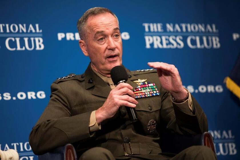 """El jefe del Estado Mayor Conjunto de las Fuerzas Armadas, el general Joseph Dunford, advirtió hoy de que no se debe de caer en """"la complacencia"""" en la lucha contra el terrorismo durante un acto celebrado por el Pentágono al que asistieron altos mandos militares de 82 países. EFE/Archivo"""
