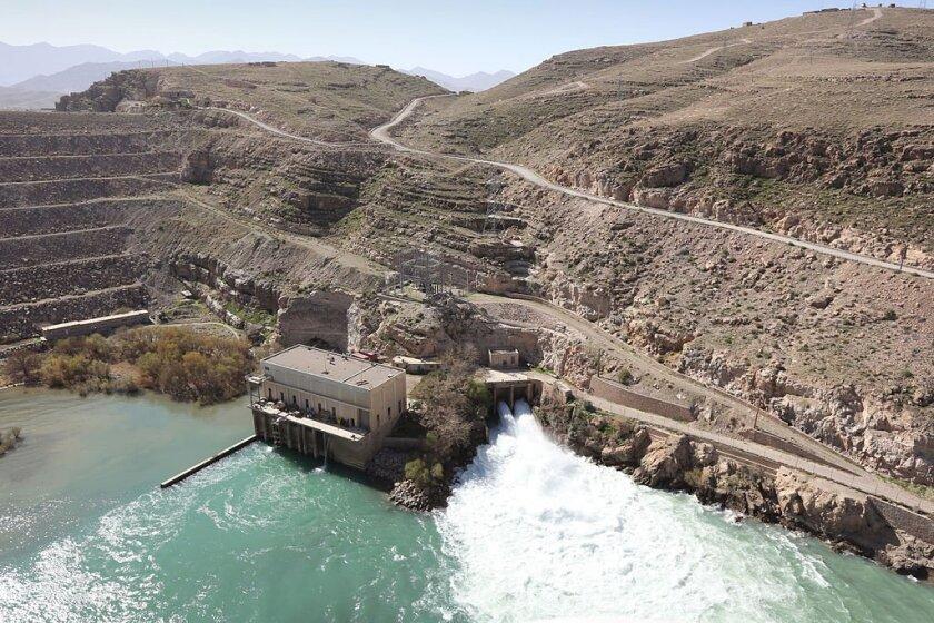 Kajaki hydroelectric dam on the Helmand River. DoD photo by Musadeq Sadeq. (Public domain) via Wikimedia Commons