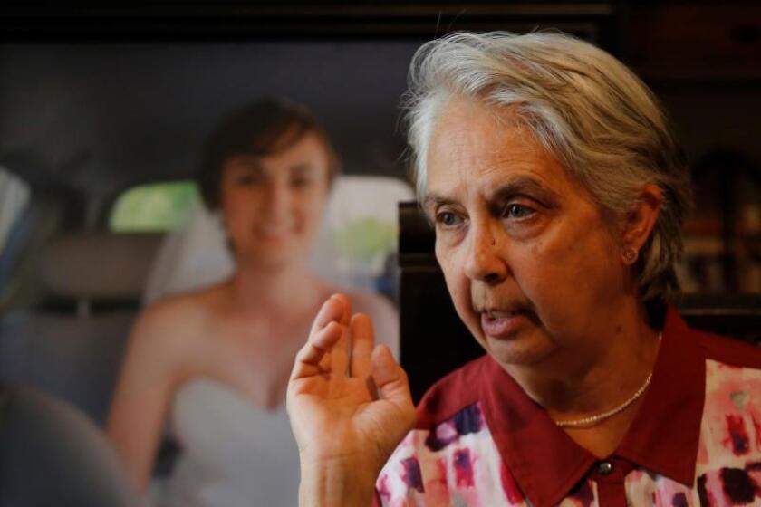 Martha Álvarez-Ugena, madre de María Fernanda Peña Álvarez, fallecida durante un accidente vial, habla en una entrevista con EFE, en la ciudad de Guadalajara, Jalisco (México). EFE/ Francisco Guasco