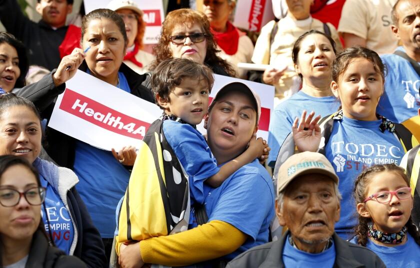 APphoto_California-Immigrant Health Care