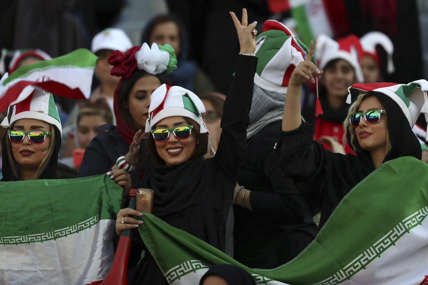 Women attend soccer match in Iran for the first time in decades