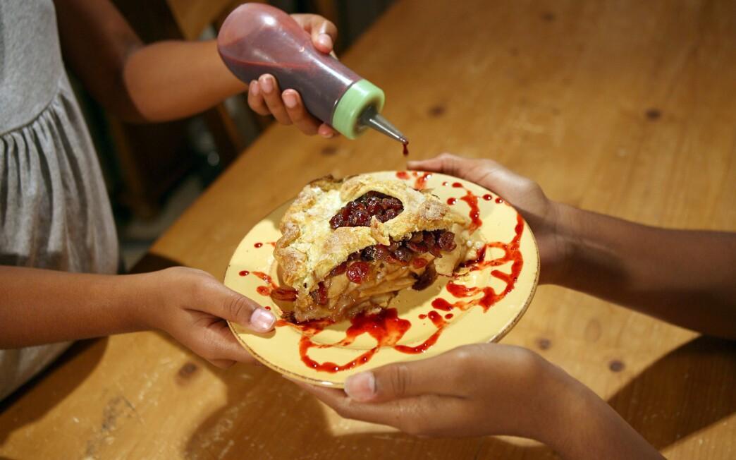 Apple-cranberry pie