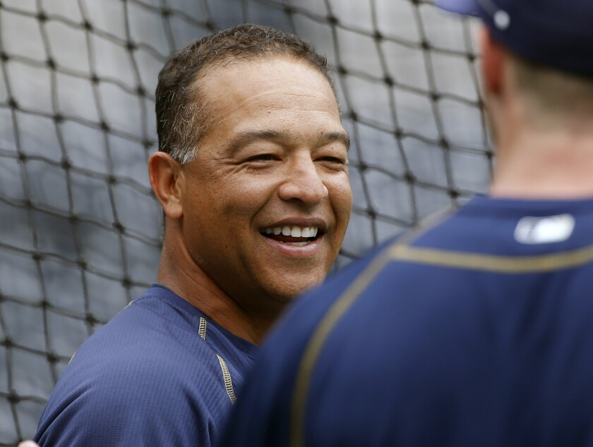 Dave Roberts is your new Dodgers manager.
