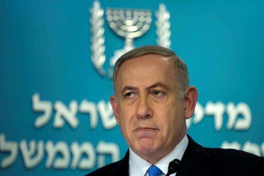 """El presidente Donald Trump y el primer ministro de Israel, Benjamín Netanyahu, hablaron hoy de las """"amenazas planteadas por Irán"""" y el magnate planteó que la paz entre israelíes y palestinos """"solo puede ser negociada directamente"""" por ambas partes, según la Casa Blanca. EFE/ARCHIVO"""