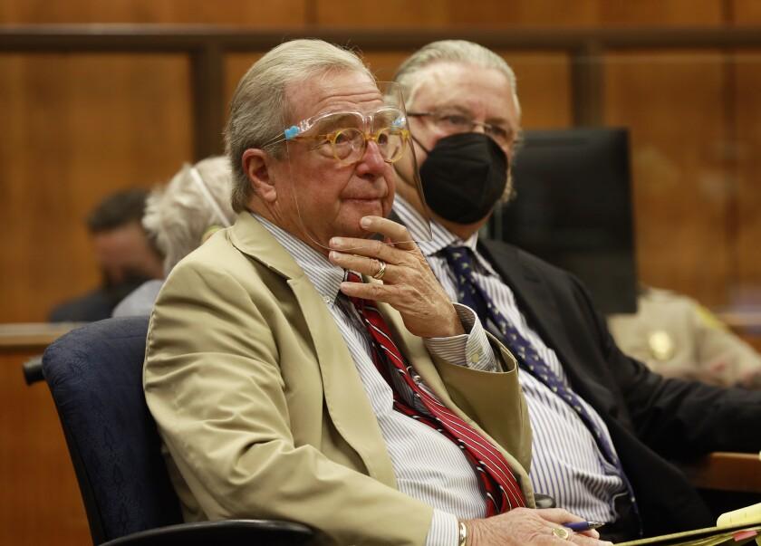 Robert Durst defense attorneys, Dick DeGuerin, left, and David Chesnoff, right.