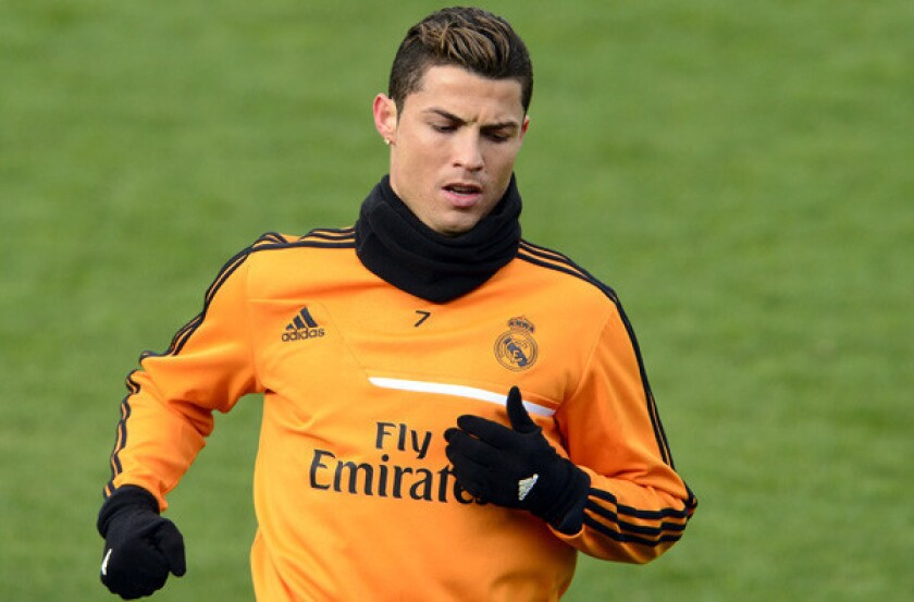 huge discount dda74 91f57 Cristiano Ronaldo agrees to buy cars for athletic training ...