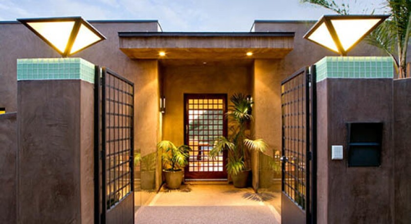 Symmetry and the use of geometric shapes make for a grand entrance.