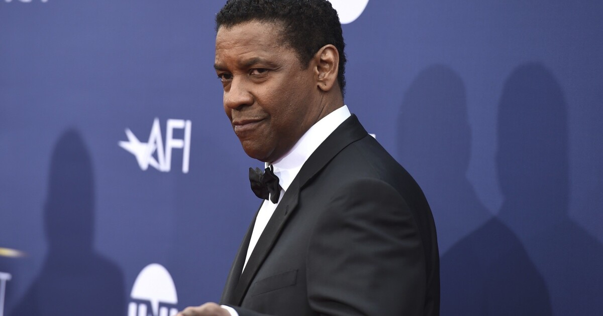 Denzel Washington praised for helping homeless man in L.A.