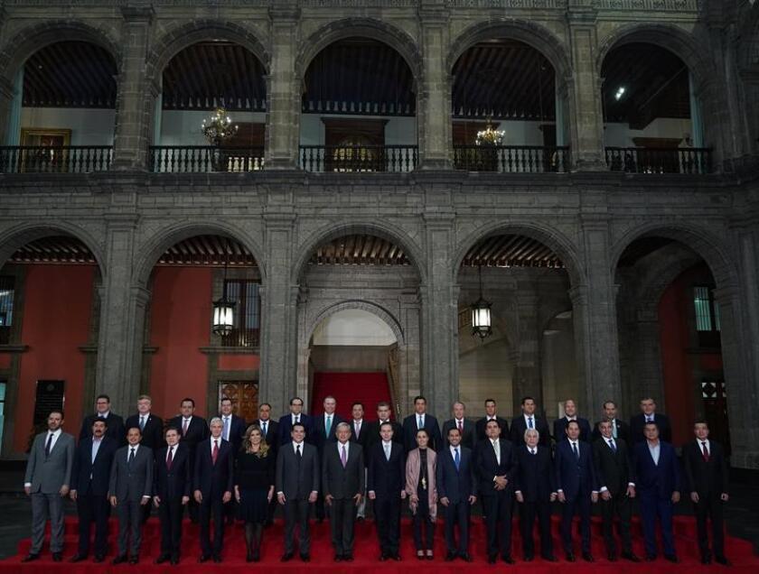 Presidente de México quita a sus delegados de control de seguridad en estados