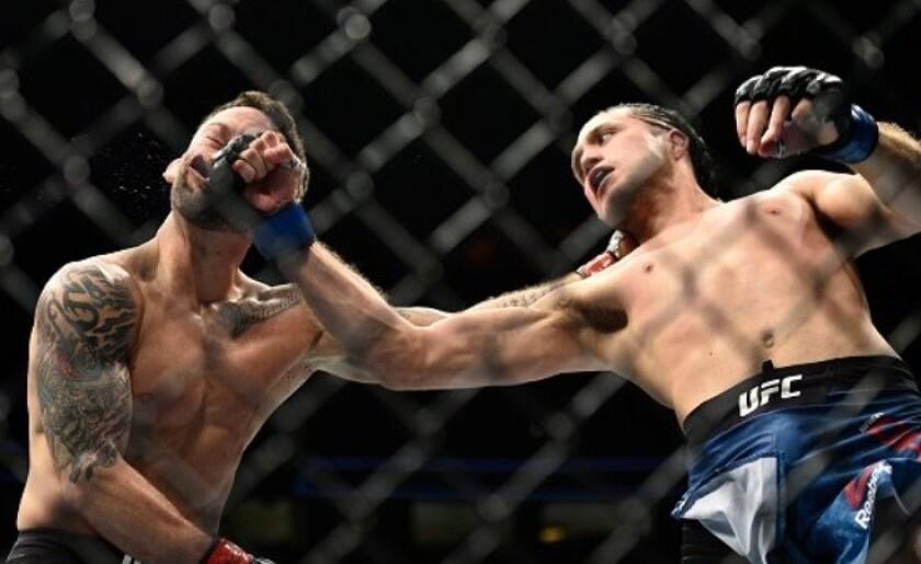 El mexicoamericano Brian Ortega da la CAMPANDA en UFC 222
