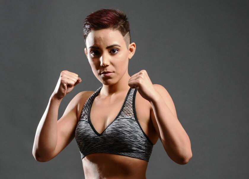 Kyra Batara, uno de los rostros femeniles de MMA en Combate Américas.