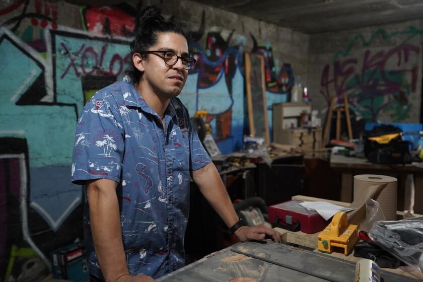 Mario Rodriguez lives in Tijuana.