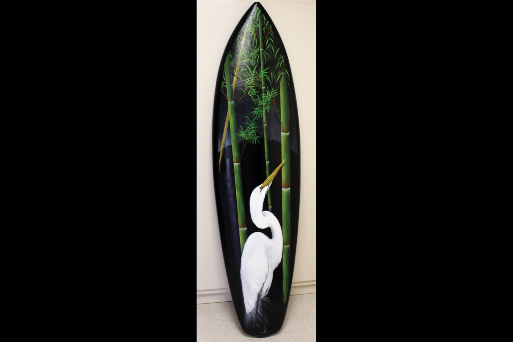 California: Surfboards turned into works of art in Morro Bay