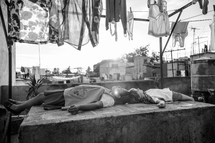 """Una escena de la cinta """"Roma"""", hecha y filmada en una colonia mexicana."""