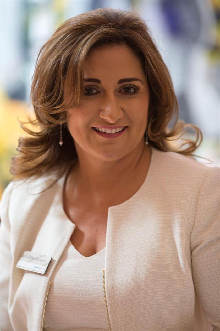 Elizabeth Romero, ejecutiva de la División Central de Pequeñas Empresas de Bank of America, posa para una fotografía durante una entrevista con Efe, este 6 de marzo de 2018, en Los Ángeles, California (EE.UU.). EFE