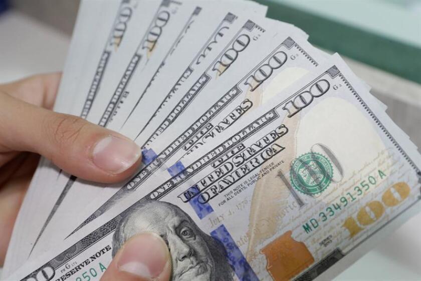 Vista de billetes de dólar. EFE/Archivo