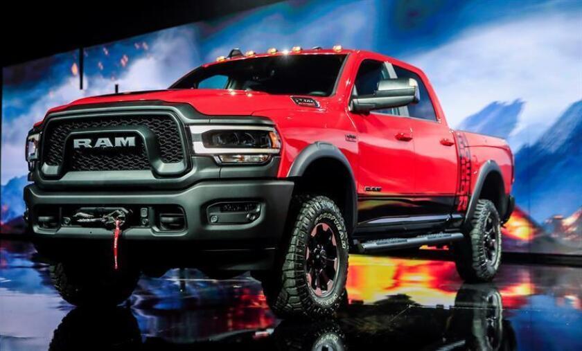 La nueva camioneta RAM Power Wagon permanece expuesta durante la jornada inaugural del Salón Internacional del Automóvil de Norteamérica (NAIAS, por sus siglas en inglés) de Detroit, en Estados Unidos, hoy, 14 de enero de 2019. EFE