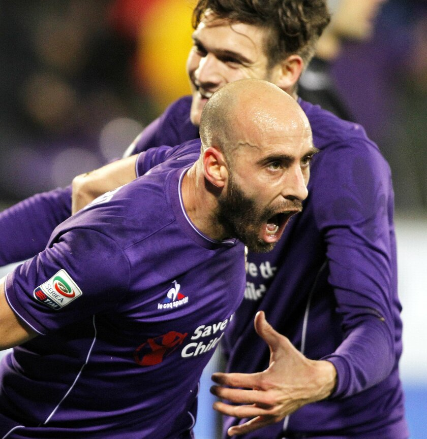 Fiorentina's Borja Valero celebrates after scoring during a Serie A soccer match between Fiorentina and Inter Milan at the Artemio Franchi stadium in Florence, Italy, Sunday, Feb. 14, 2016. (AP Photo/Fabrizio Giovannozzi)