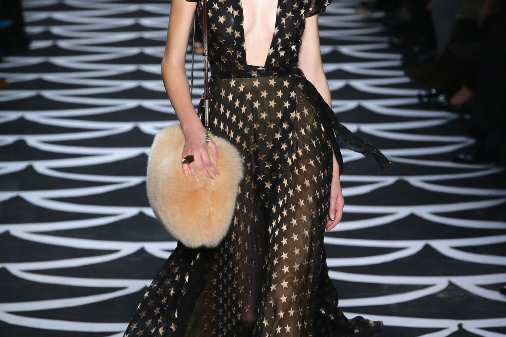N Y Fashion Week Diane Von Furstenberg Celebrates Wrap Dress Los Angeles Times