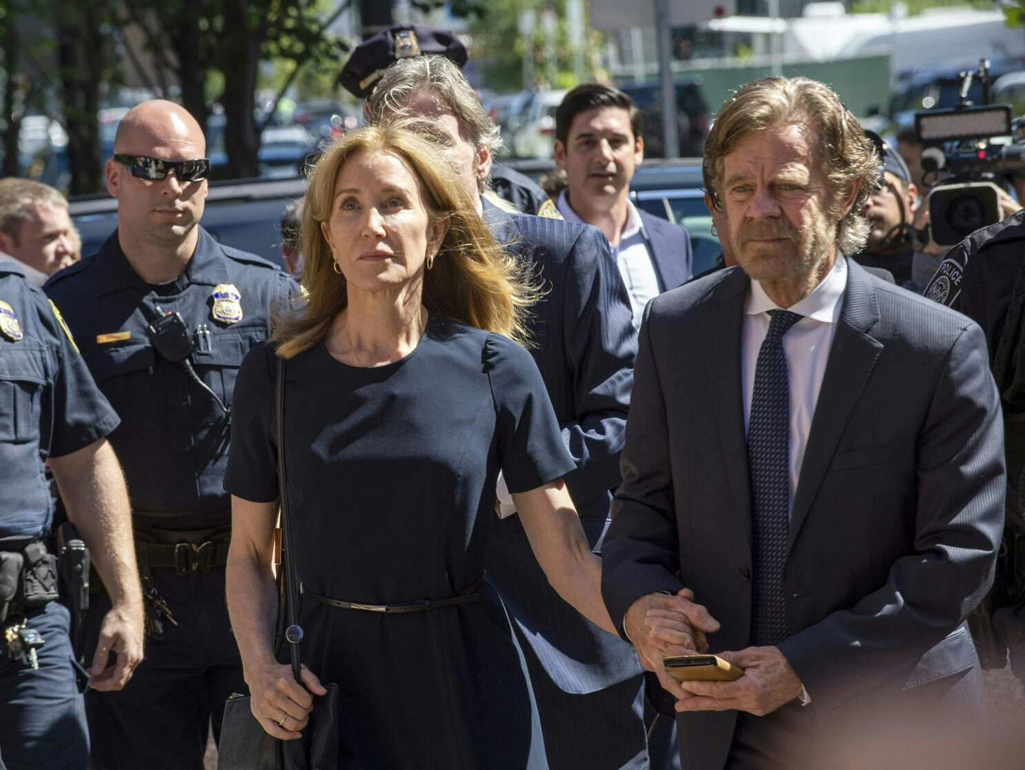 Felicity Huffman sentence: 14 days in prison in admissions scandal ...